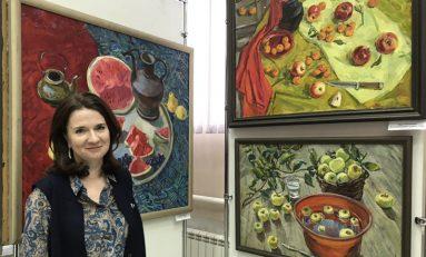 Жители Дивногорска знакомятся с творчеством художника Марии Казаченко