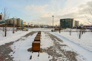 Вид из сквера со стороны ул. 78 Добровольческой бригады на МВДЦ Сибирь