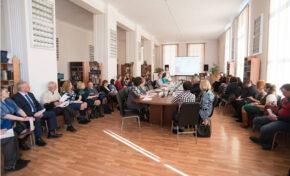 Руководителей творческих союзов приглашают за круглый стол